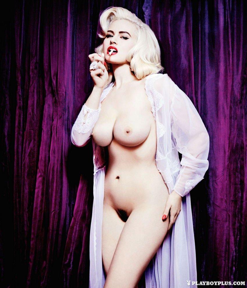Gia Genevieve Naked 05