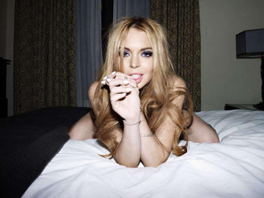Lindsay Lohan in Lingerie 01