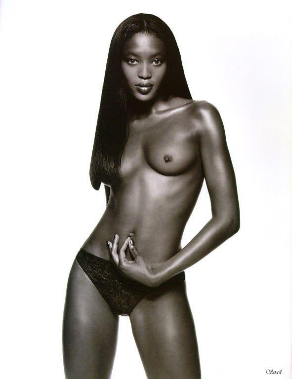 Naomi Campbell Naked 04