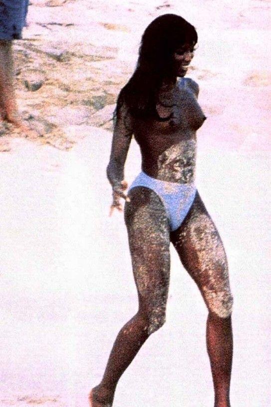 Naomi Campbell Naked 27