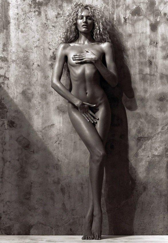 Candice Swanepoel Naked 36