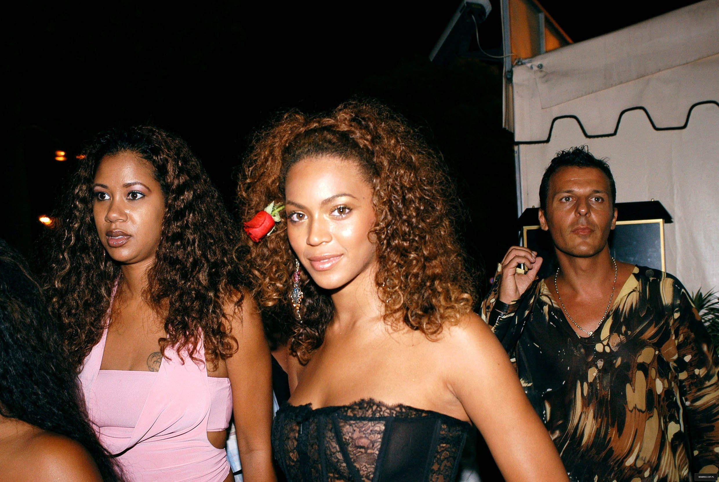 Beyonce-See-Through-St-Tropez-3