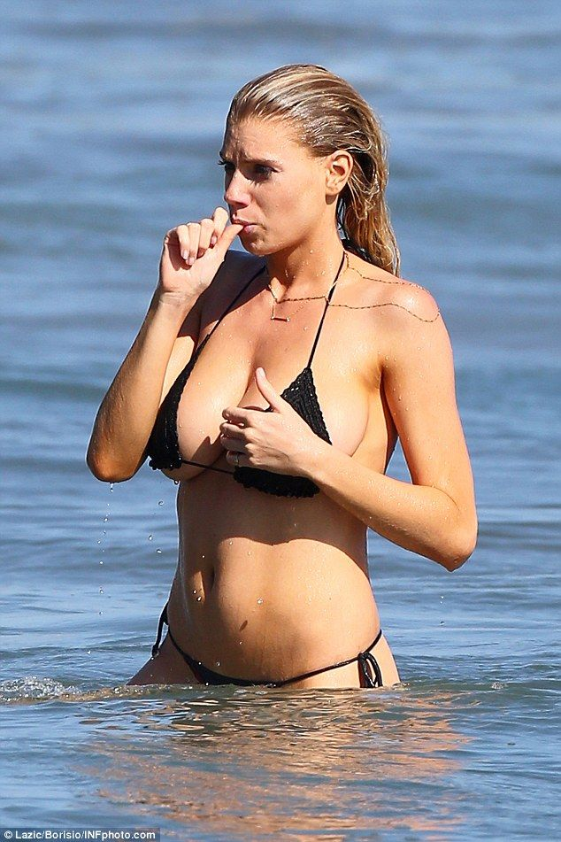 Charlotte-McKinney-Bikini-12