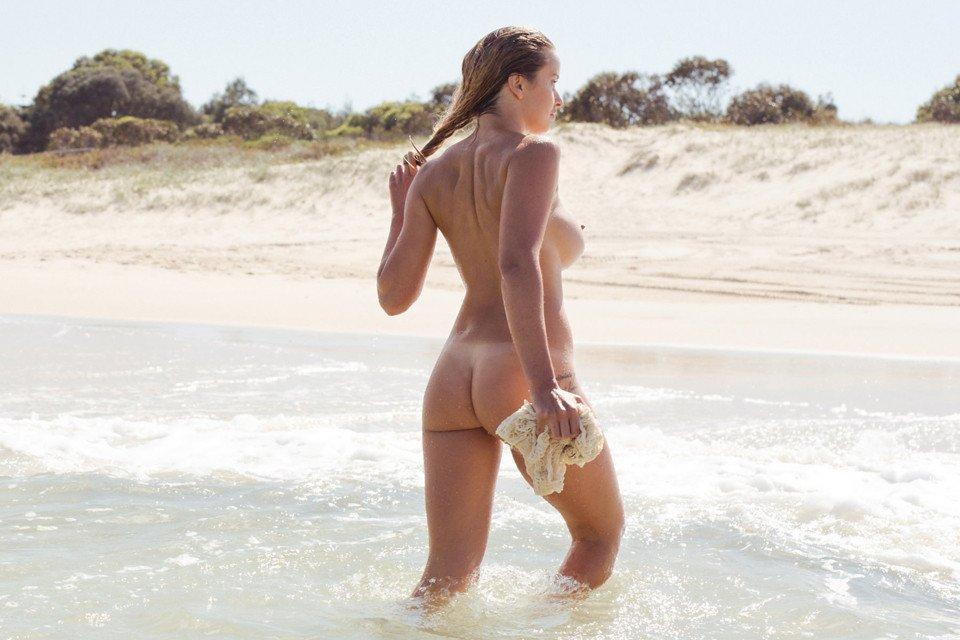 Kahili-Blundell-Nude-3