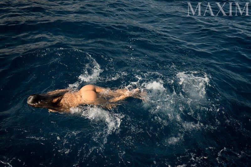 Alessandra-Ambrosio-Nude-Sexy3