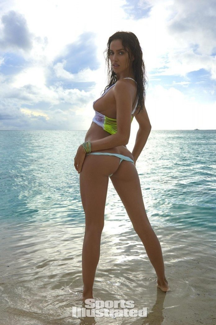 Irina-Shayk-Sexy-Topless-2