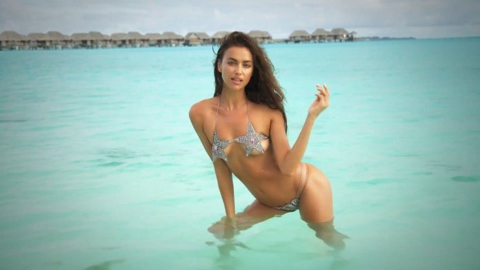 Irina-Shayk-Sexy-Topless-Intimates-12