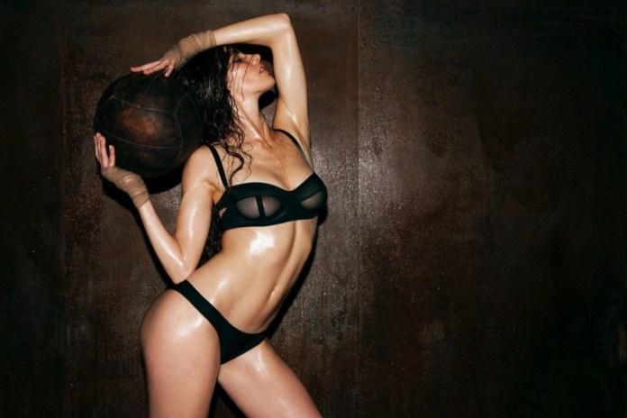 Xamira Zuloaga Topless & Sexy 1