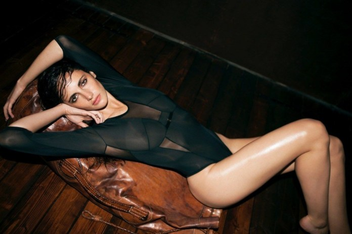 Xamira Zuloaga Topless & Sexy 10