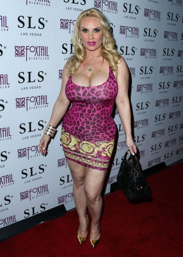 Nicole Coco Austin Cleavage 39