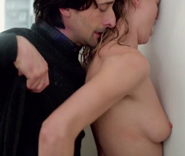 Yvonne Strahovski Nude 1
