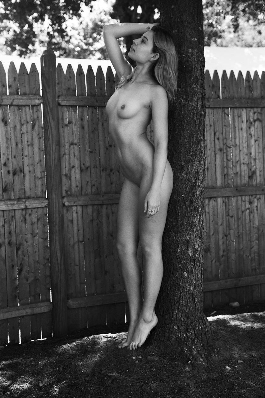 Sara gilbert nude