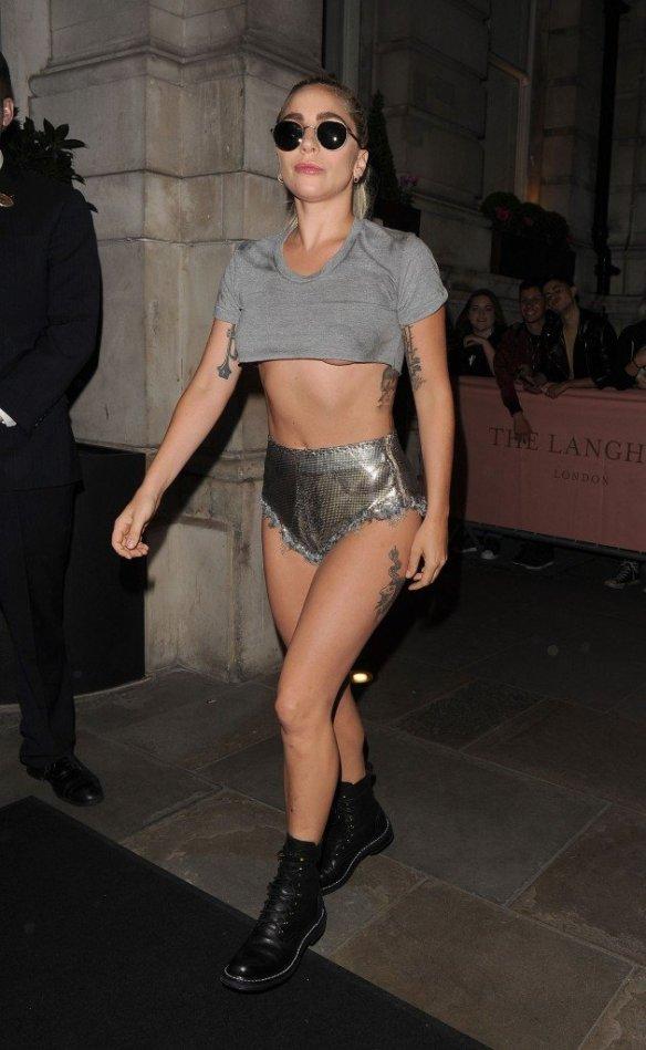 Lady Gaga Underboob thefappening.so-0010