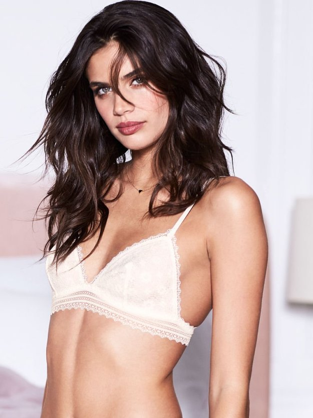 Sara Sampaio Sexy 10