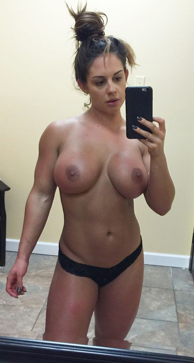 Wwe kaitlyn naked — pic 7