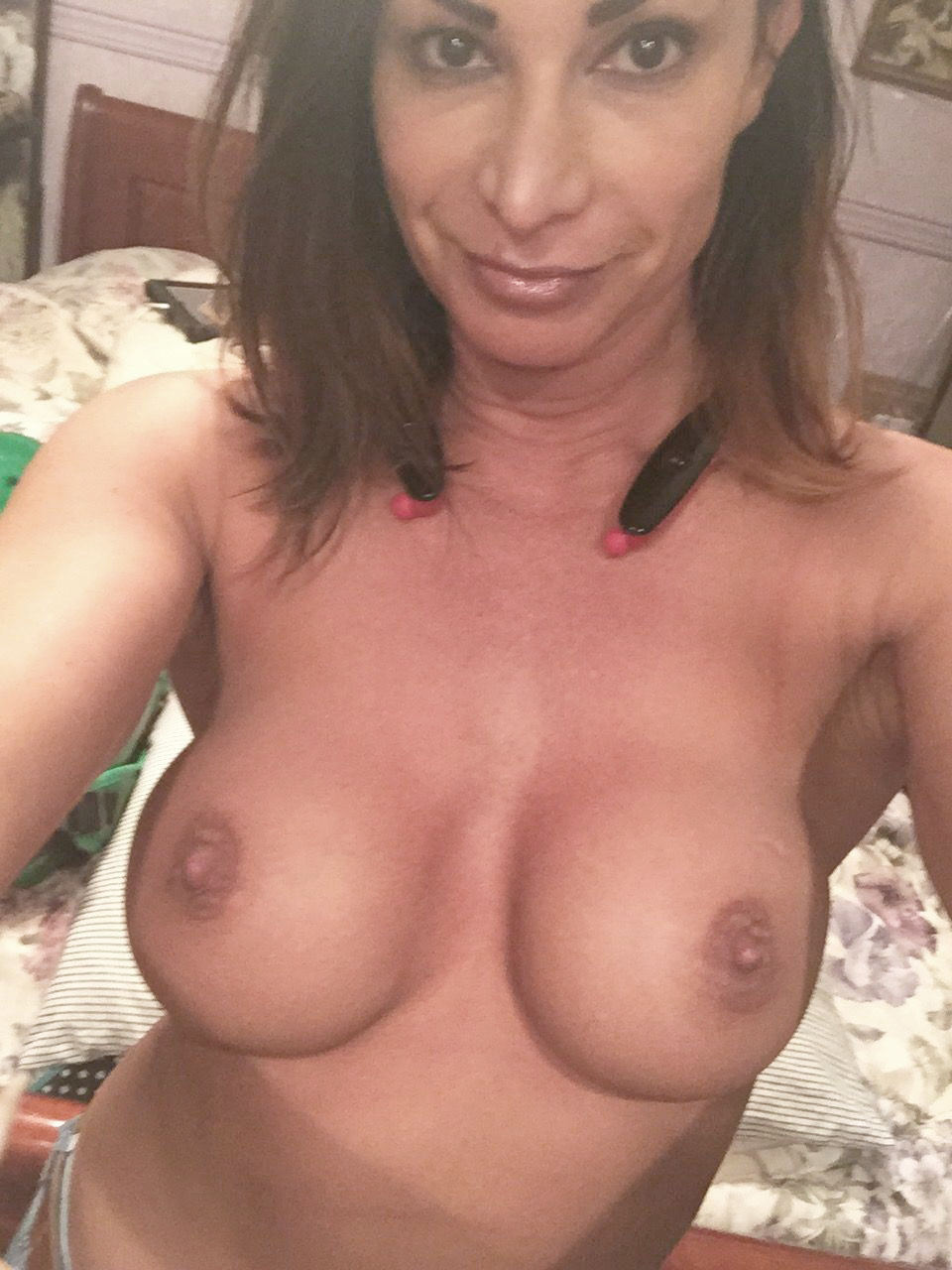 Mature nude women images