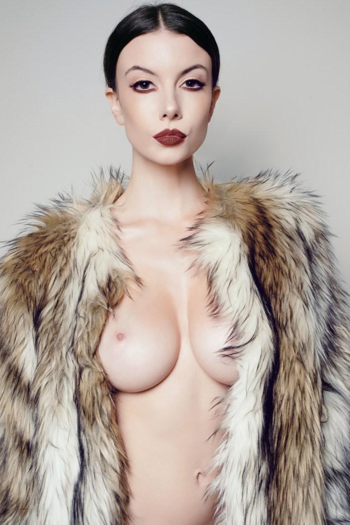 Olivia-Rose-Topless-9
