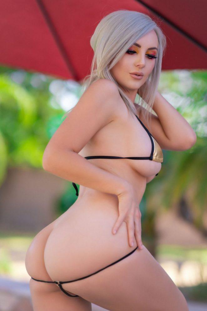 Jessica Nigri Bikini 4