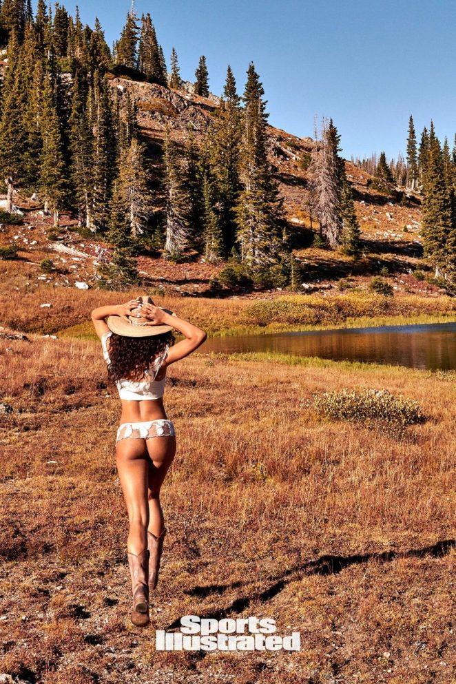 Danielle Herrington Sexy 4