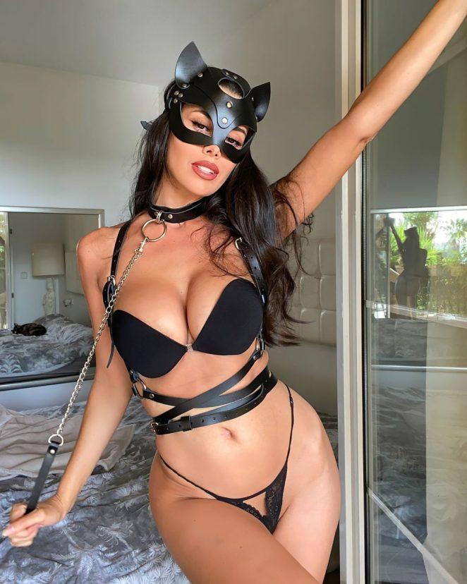 Eva Padlock Sexy 2