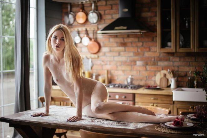 Mia Frost Nude 4
