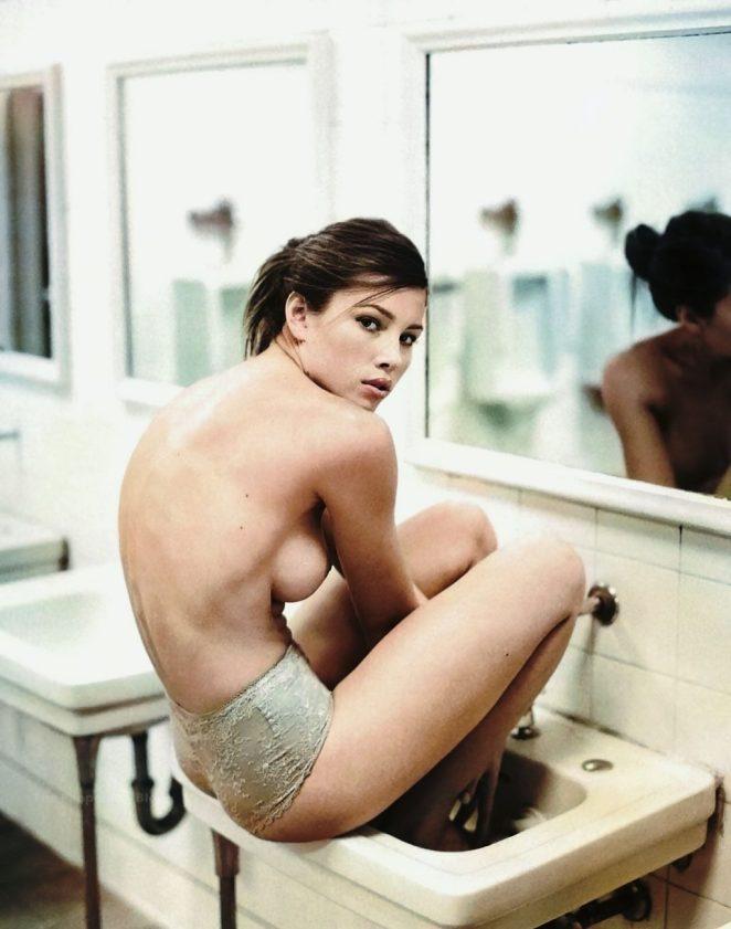 Jessica Biel Topless 2