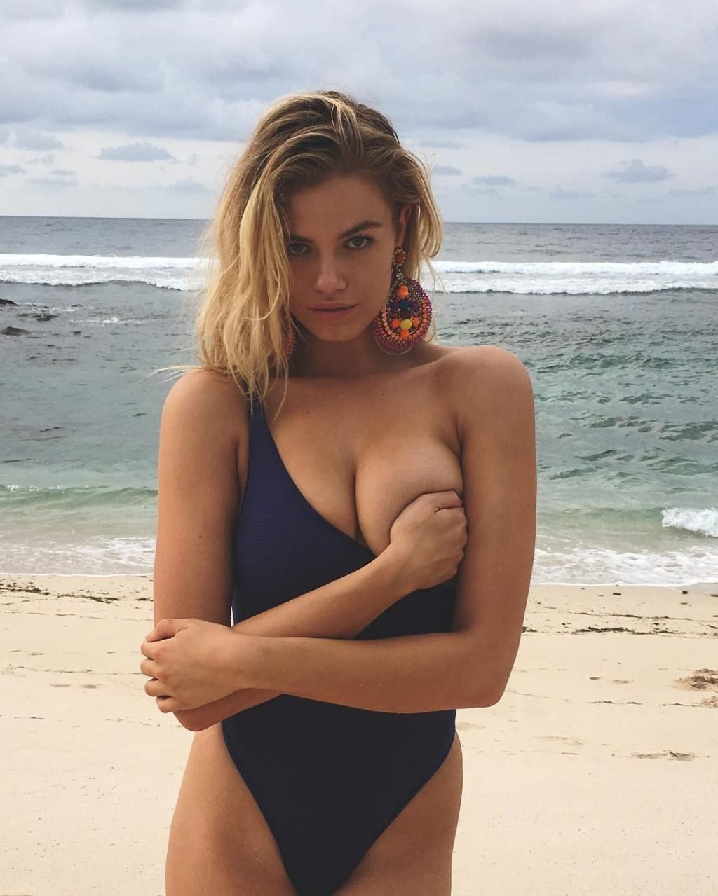 Sports Illustrated 2016 Swimsuit Cover Model - Hailey Clauson