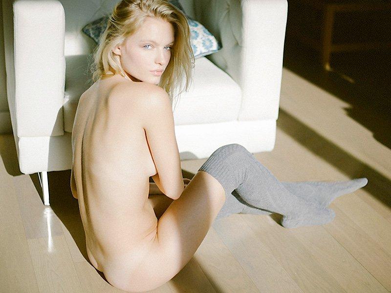 Isabella Farrel Naked (8 Photos)