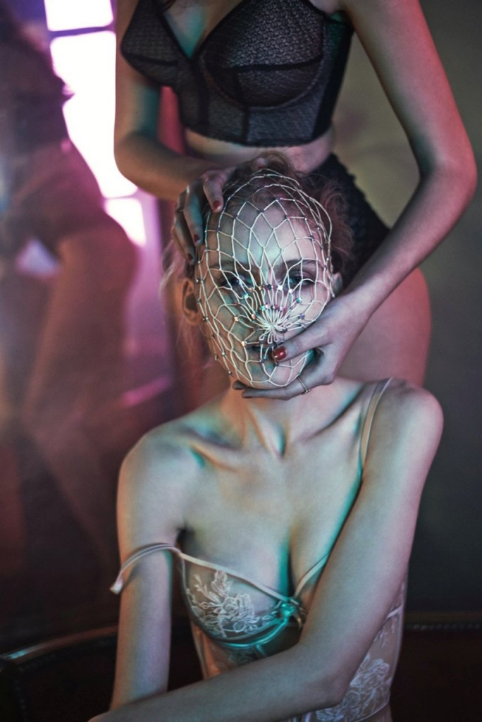 Monica Cima and Hannare Blaaboer Topless (12 Photos)