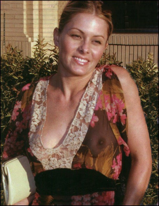 Nicole Eggert Naked (3 Photos)