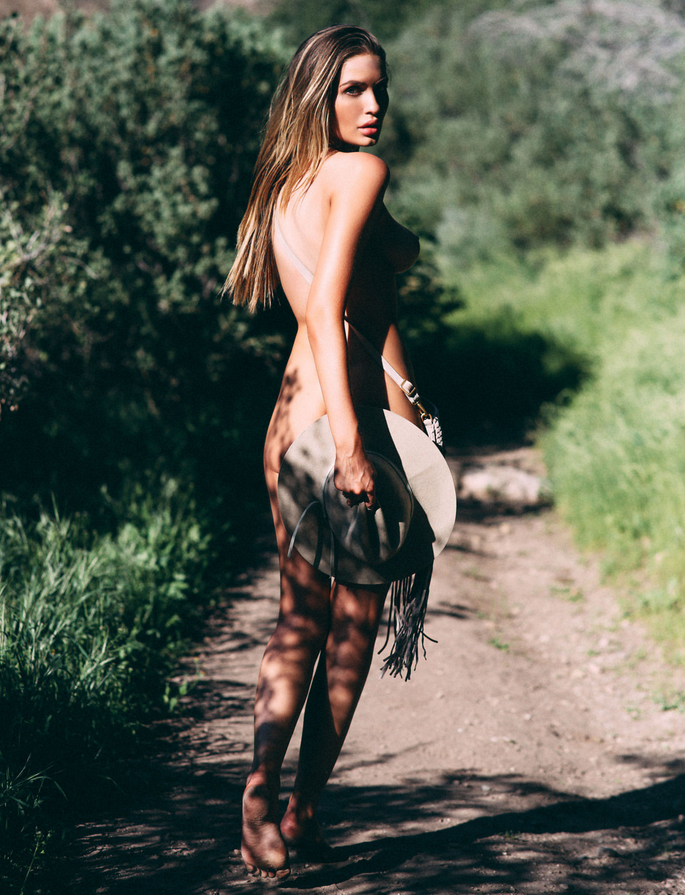 Alyse Laurent Naked (6 Photos)