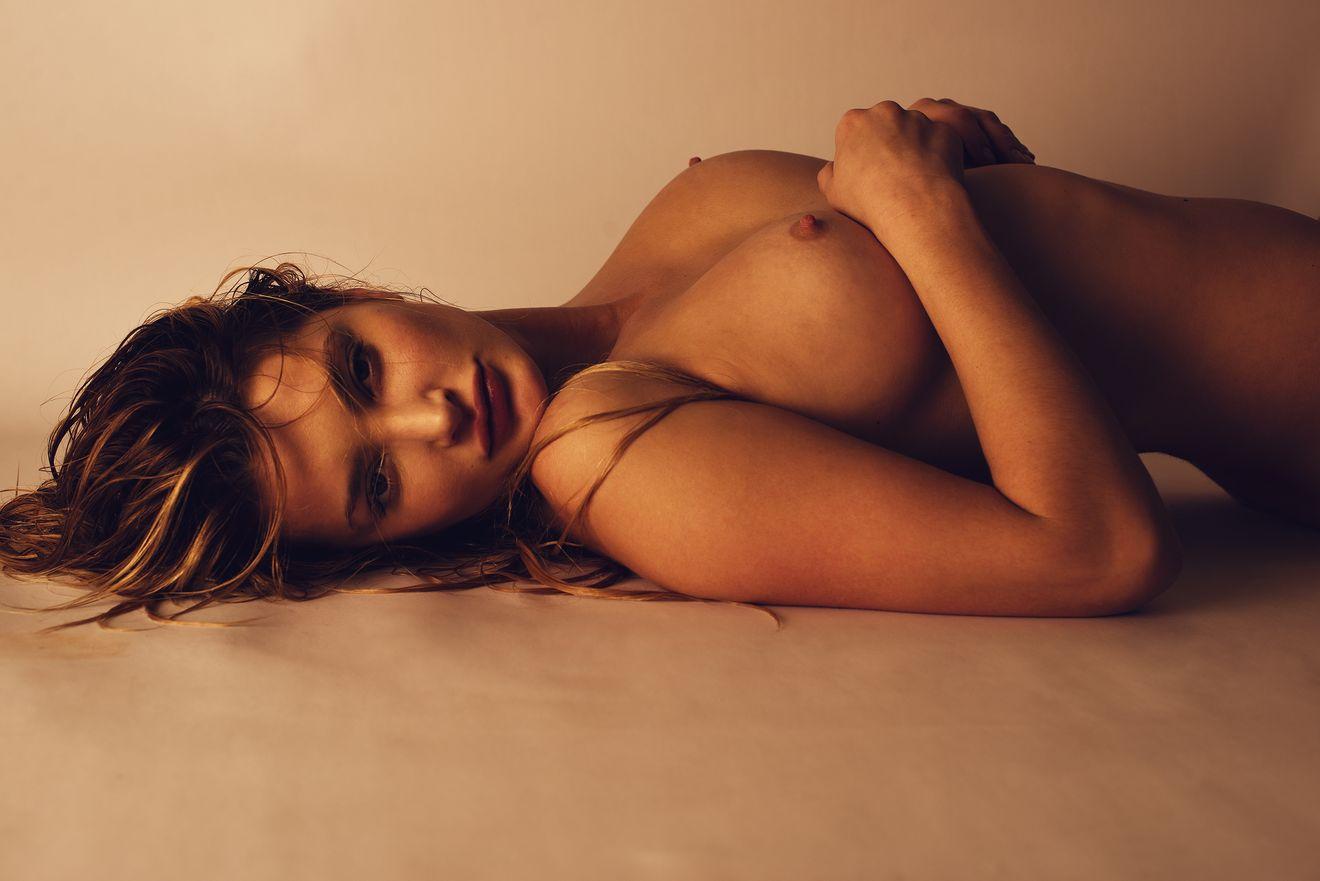 Elle Bowman Naked (10 Photos)