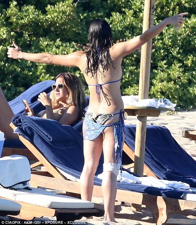 Michelle Rodriguez in a Bikini (19 Photos)