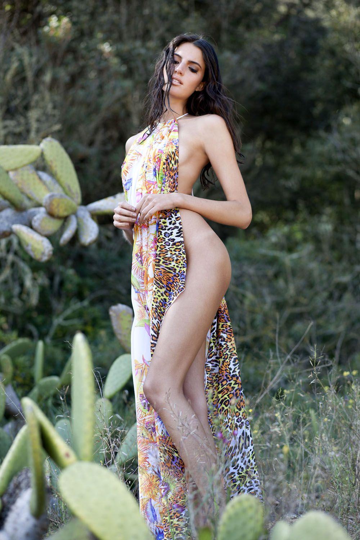 Rafaella Consentino Topless (8 Photos)