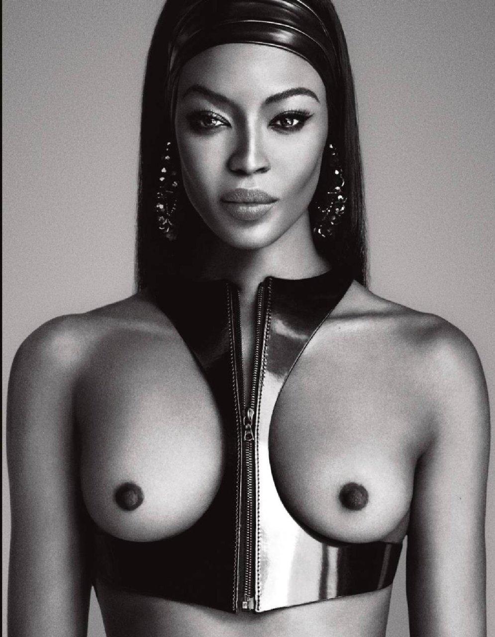 Naomi Campbell Topless (6 Photos)