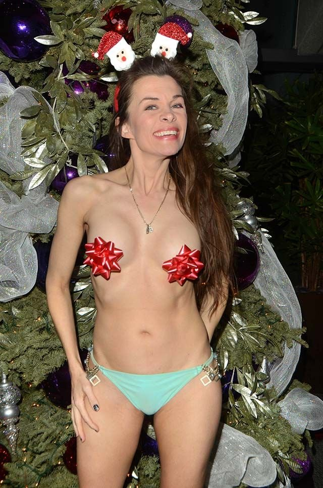 Alicia Arden Sexy & Topless (10 Photos)