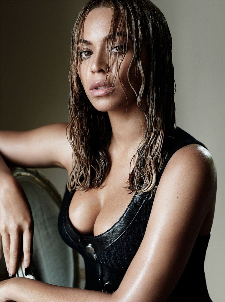 Beyonce Cleavage (1 Photo)