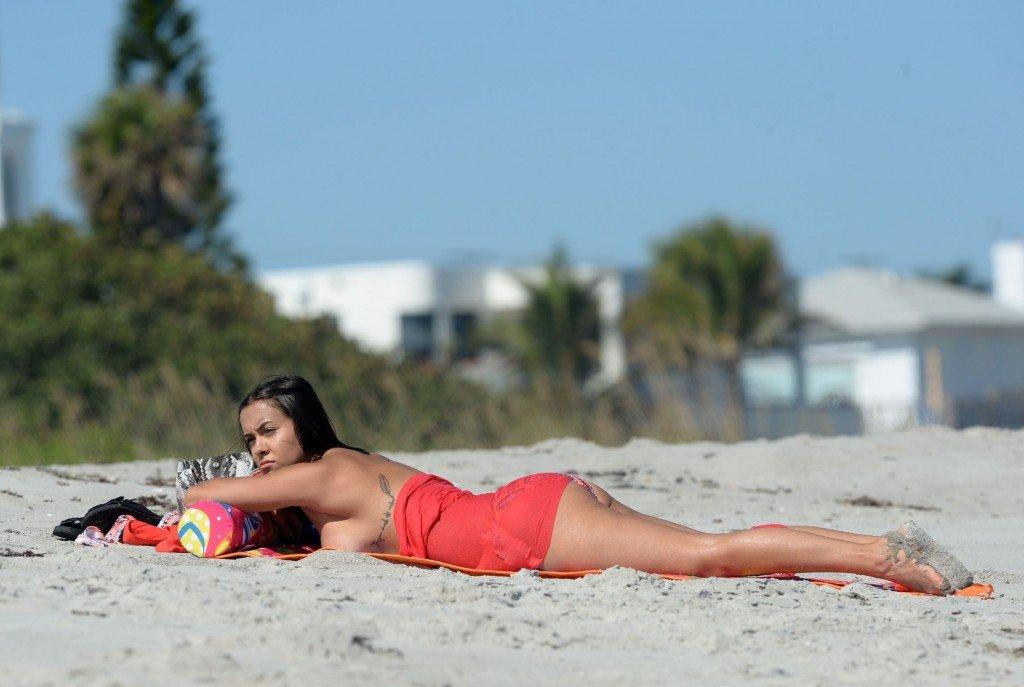 Briana Dejesus Topless (13 Photos)