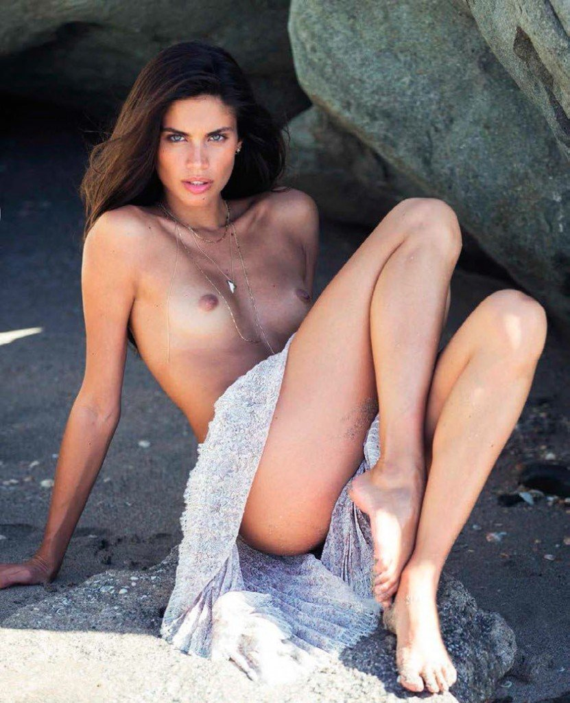 Sara Sampaio Nude (3 Photos)