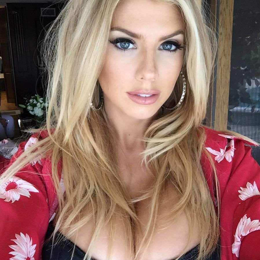 Charlotte McKinney Sexy (3 Photos + Gifs)