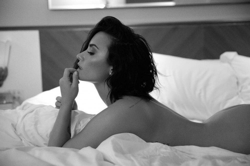 Demi Lovato Nude (5 Photos)