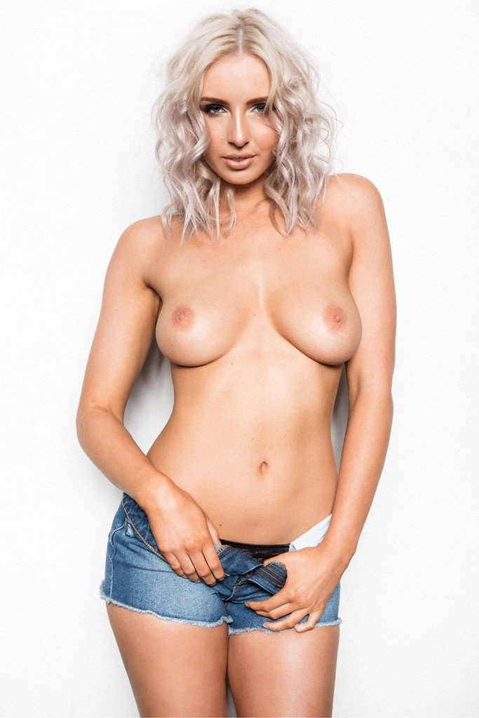 Lissy Cunningham Topless (Page 3 – 4 New Photos)