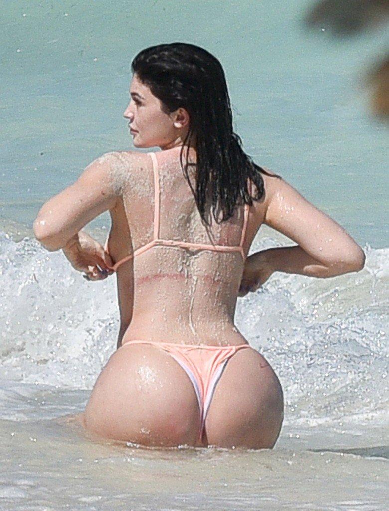 Kylie Jenner Butt (15 Photos)