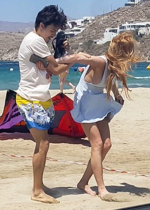 Lindsay Lohan Tit Slip (26 Photos)