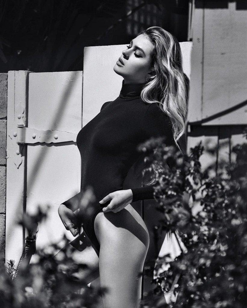Nicola Peltz Sexy (6 Photos)