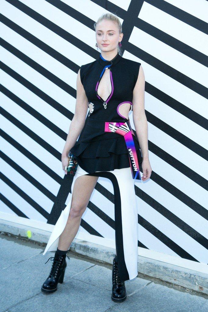 Sophie Turner Sexy (33 Photos)