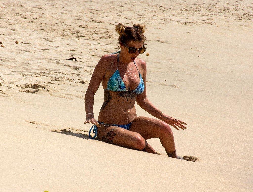 Olivia Buckland Sexy (39 Photos)