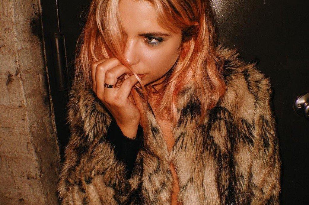 Ashley Benson Sexy (4 New Photos)