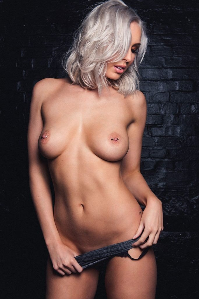 Lissy Cunningham Sexy & Topless (6 Photos – Page 3)