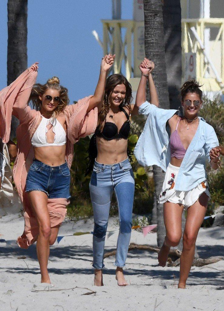 Victoria's Secret Angels (100 Sexy Photos)
